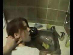 شوهر چوب به کودک مو و ظاهر در الاغ سکس با لباس کردی