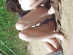 لولا تیلور به عنوان شورت سکسی دختر لاستیک عروسک